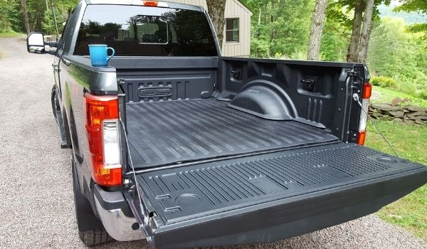 Truck Toolbox without drilling